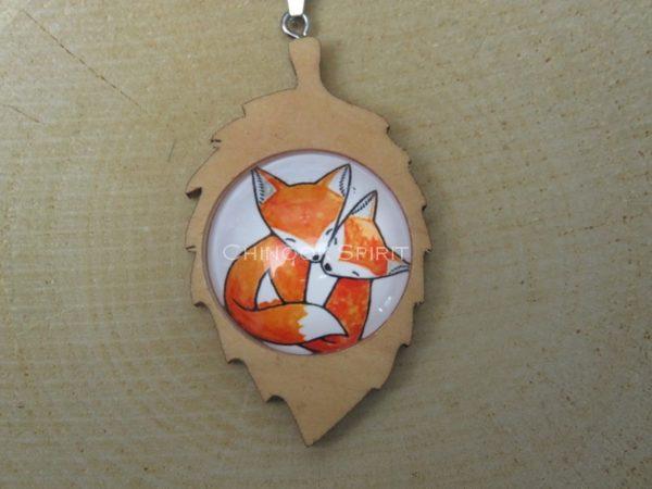 Porte cle feuille bois 2 renards fox chinook spirit 4431