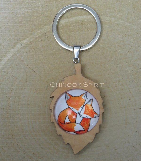 Porte cle feuille bois 2 renards fox chinook spirit 4432