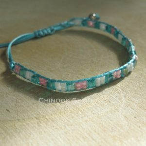 bracelet perles rocailles vert blanc rose fin reglable indien chinook spirit