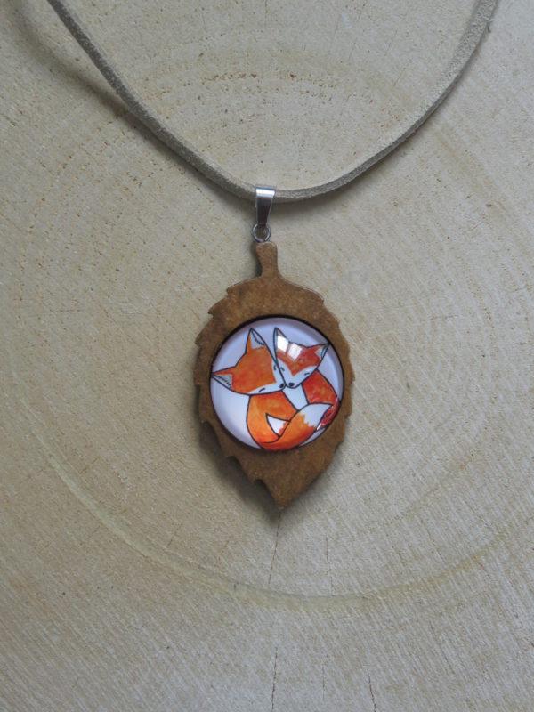 collier feuille bois 2 renards chinook spirit