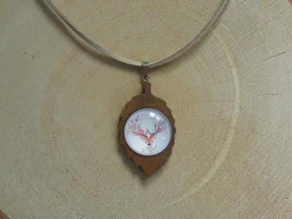 collier feuille bois biche cerf cabochon chinook spirit