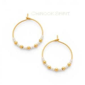 Boucles oreilles creoles acier jaune et miyuki blanc chinook spirit
